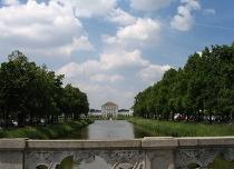Schloss Nymphenburg - Blick von der Waisenhausstraße - Foto: I. Kolbeck